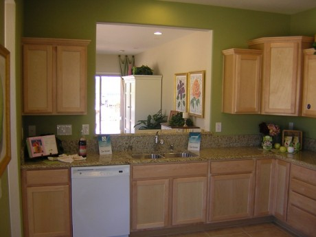 Kitchen of pulte del webb house
